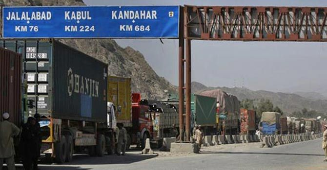 Pak-Afghan border - The number of containers arriving at the Pak-Afghan border on a daily basis in September 2020 was 1,058 which has now increased to 1,870, the Officials of the Federal Board of Revenue (FBR) told the Meeting of the Executive Committee of the Pak-Afghan Friendship Group. The Meeting was held in Islamabad on Wednesday with the Speaker National Assembly Asad Qaiser in the Chair. During the meeting, the Speaker expressed satisfaction over the progress made in Pak-Afghan bilateral trade in recent months. The Speaker said that steps will be taken on a priority basis to meet the target of increasing the volume of bilateral trade and the arrival of 2,000 containers on the Pak-Afghan border. Asad Qaiser directed the FBR to complete the process of clearance of containers on the border within a week. He also directed to ensure the presence of FBR Staff at Ghulam Khan, Angroor Adda, and Kharlachi. The National Assembly Speaker said that immediate steps will be taken for the construction of Branches of Commercial Banks at Angoor Adda, Ghulam Khan on the Pak-Afghan border. The Speaker directed that a briefing be given to the Committee about the progress on clearance of containers carrying sugar on the border. The FBR Officials told the meeting that a joint team of the National Bank and the State Bank will visit Ghulam Khan and Angroor Adda on October 8 and 9. The National Assembly Speaker also issued directives to refer the matter of demerge charges to the Economic Coordination Committee (ECC). In addition, he directed to complete the construction of Consulate Hall at the Pakistan Embassy in Kabul at the earliest.