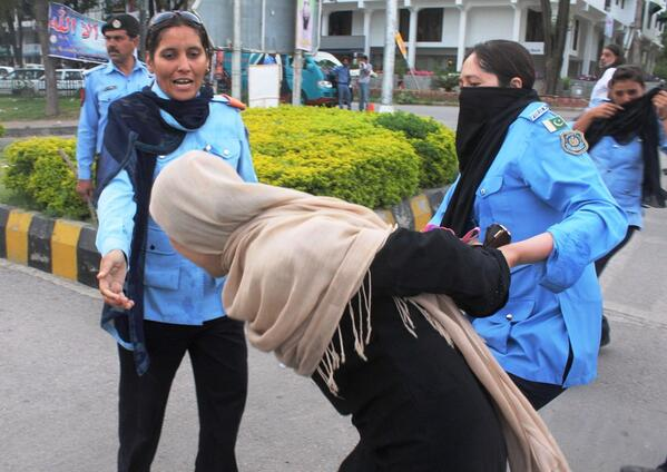 Police baton-charge missing persons protesters in Islamabad, arrest Amna Masood Janjua