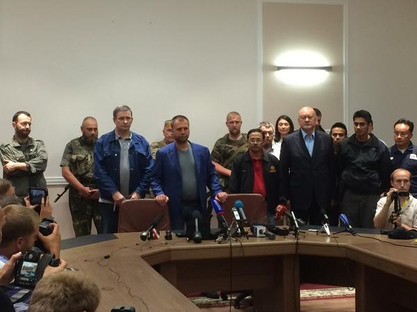 """Thank you His Excellency Borodai for handing over Black boxes of Flight MH17 """