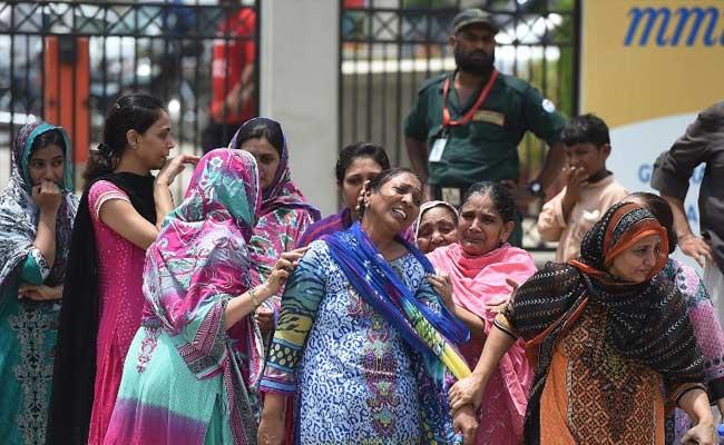 Pakistan observes day of mourning over Ismailis massacre