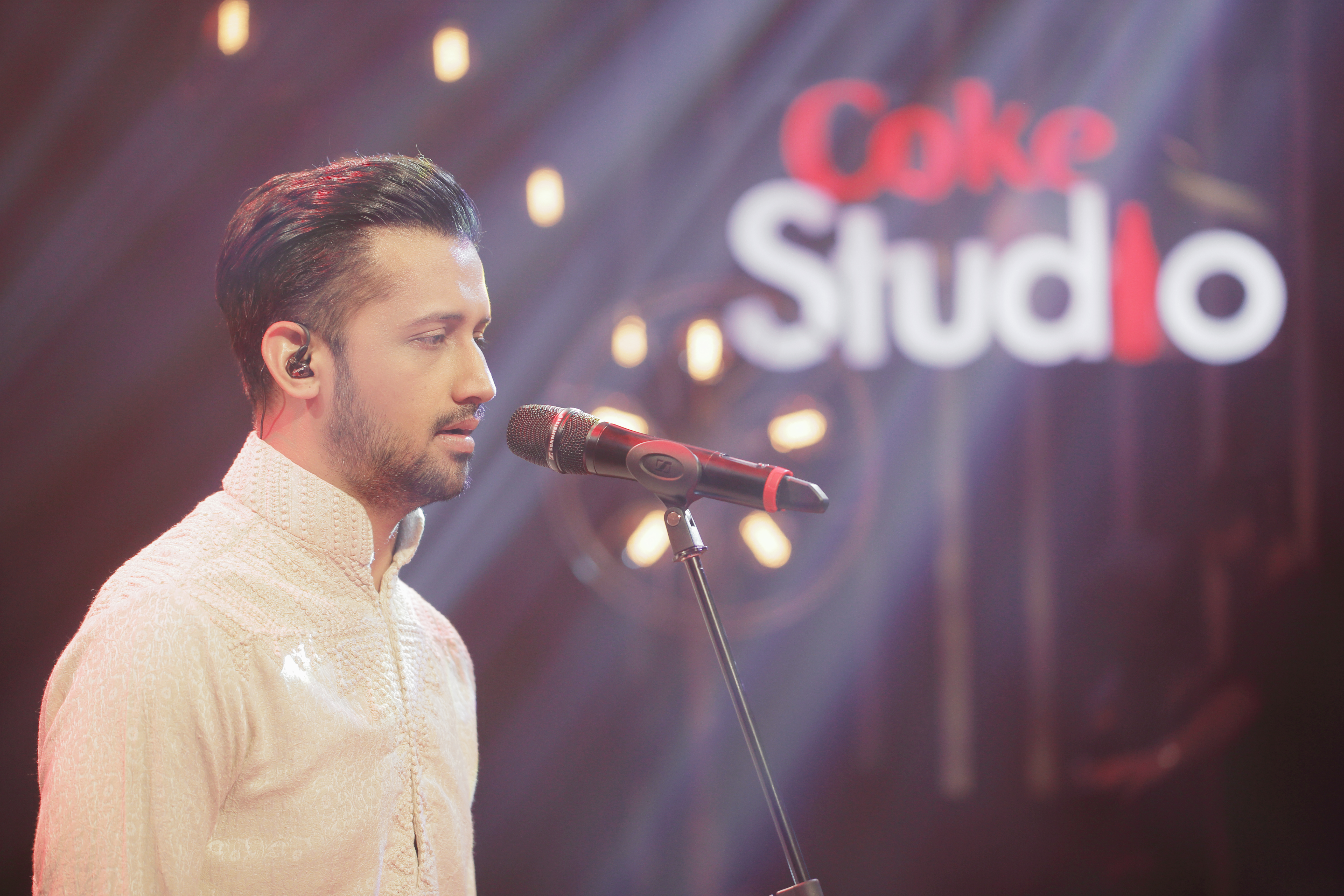 Coke Studio Season 8 Episode 1 - Sohni Dharti