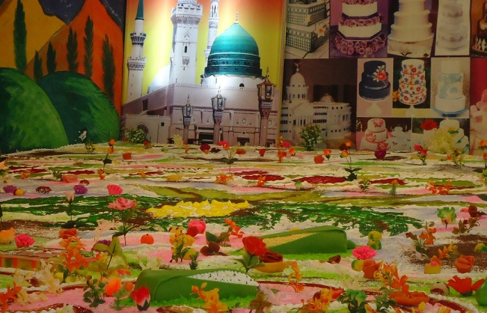 50 000 citizens to be served 12000 pound cake on 11th for 12 rabi ul awal decoration pictures