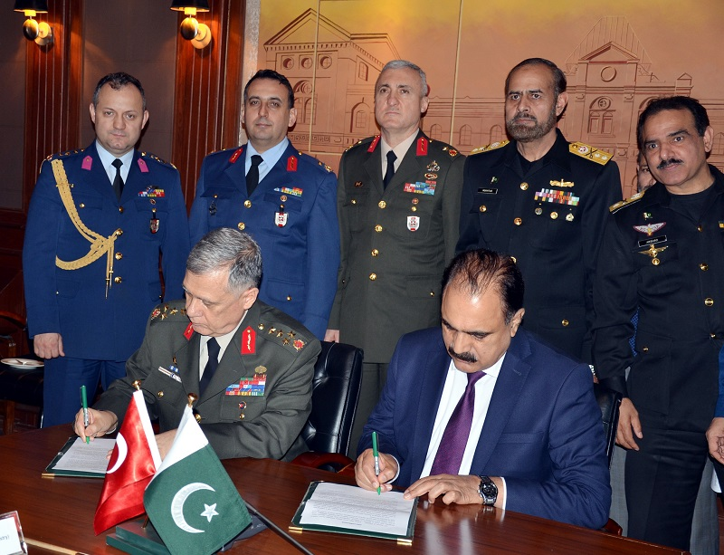 Pakistan, Turkey agree to work for greater bilateral defence