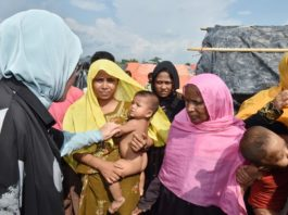 Emine Erdoğan cried while meeting Rohingya Muslims in Bangladesh