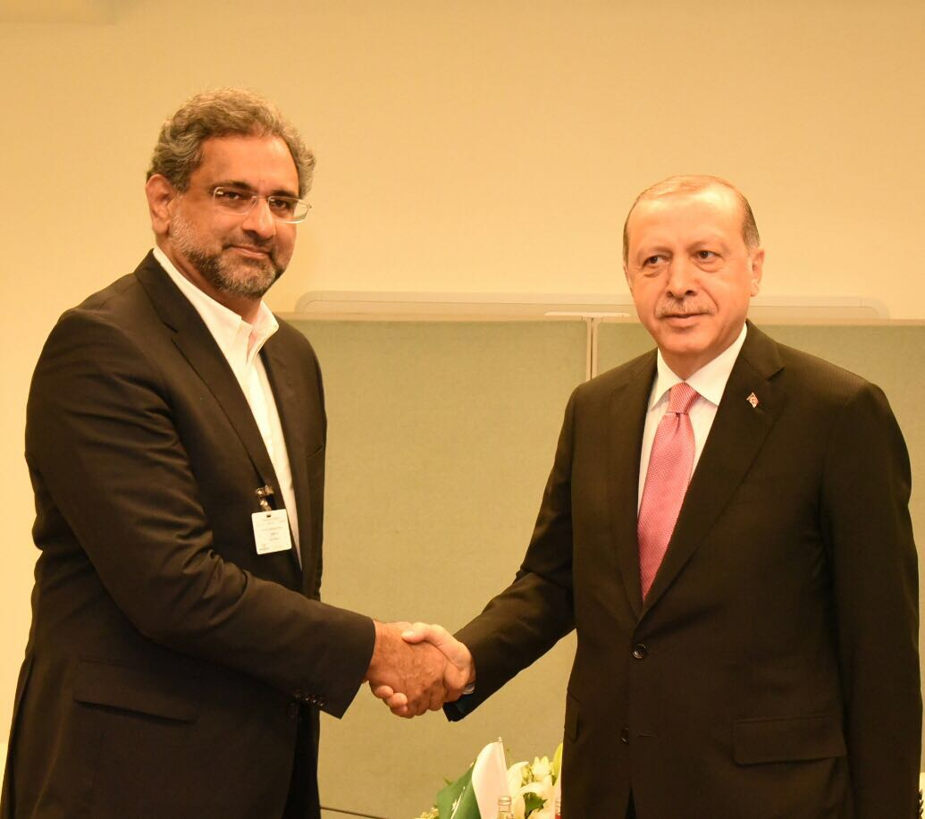 PM Abbasi meets Turkish President Recep Tayyip Erdogan