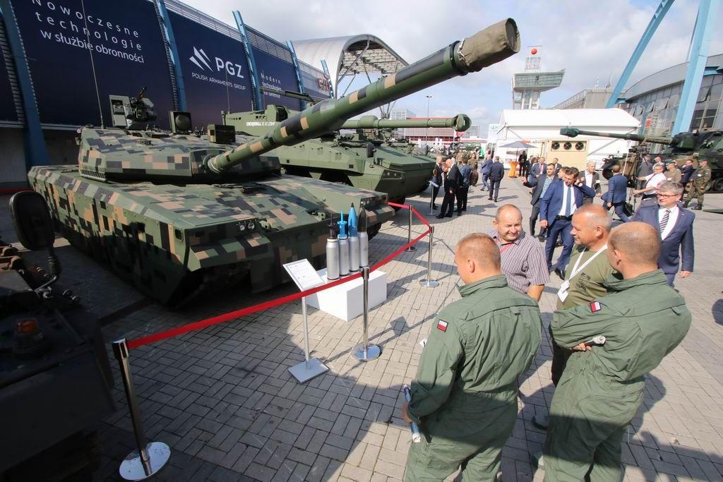 Pakistan attending international defense industry exhibition in Poland