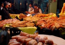 Fried fish demand increases in Pakistan