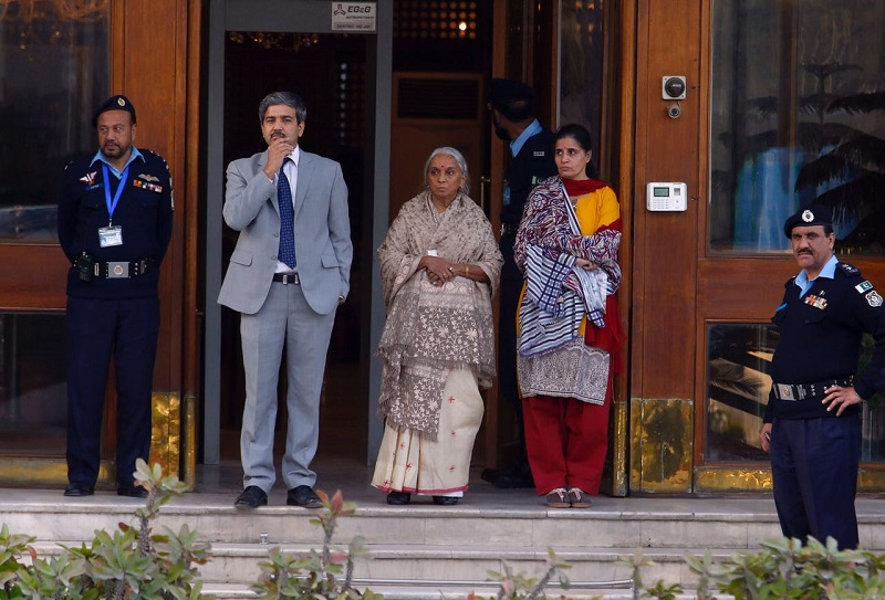 Kulbhushan Jadhav's mother, wife meet detained RAW agent in Islamabad