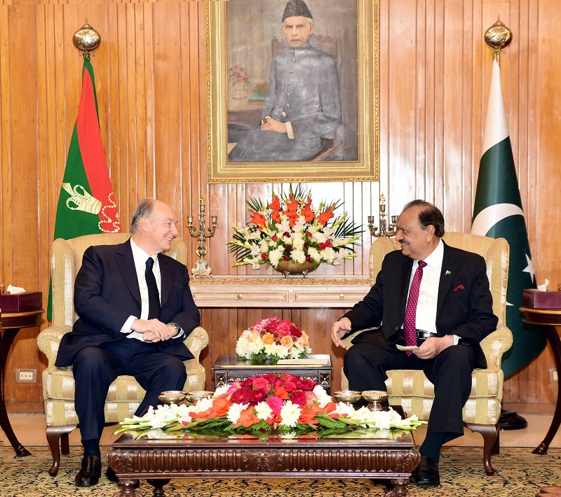 President Mamnoon lauds services of Prince Karim Aga Khan for int'l peace