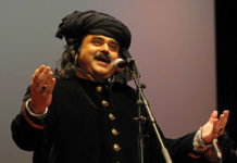 Arif Lohar enthralls audience at Cultural Festival