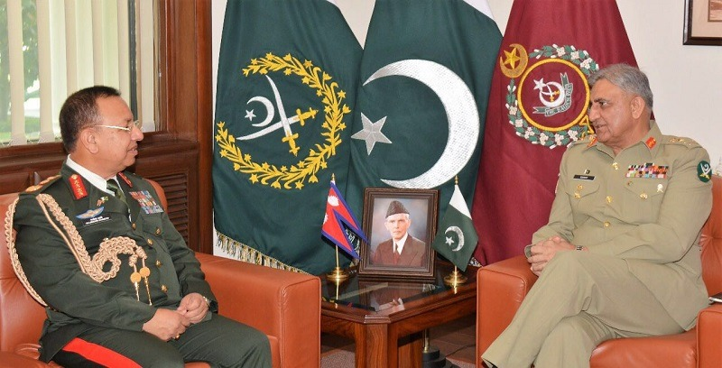 Nepalese Army Chief meets his Pakistani Counterpart at GHQ