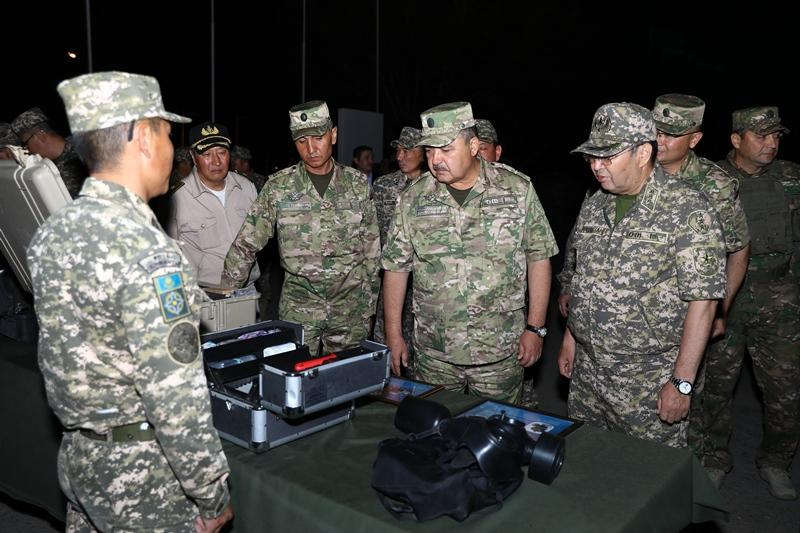 Uzbekistan and Kazakhstan hold first joint military exercises