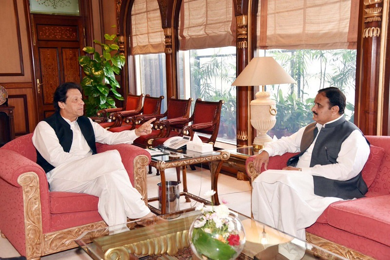 Imran Khan - Prime Minister Imran Khan on Saturday reached Lahore wherein he held a one-on-one meeting with the Chief Minister Punjab Sardar Usman Buzdar at the Chief Minister's Secretariat. During the meeting, matters related to initiatives in the fight against Coronavirus (COVID-19) as well as political development in the Punjab province were discussed. Earlier a meeting between Usman Buzdar and the Foreign Minister Shah Mahmood Qureshi took place to dwell at length on matters of national and political importance. They also exchanged views regarding the progress on the establishment of South Punjab Secretariat. In his remarks, Qureshi said that the establishment of the South Punjab Secretariat will bring relief to the local people. The minister said that the establishment of the Secretariat will solve the problems of the people at the grassroots level.