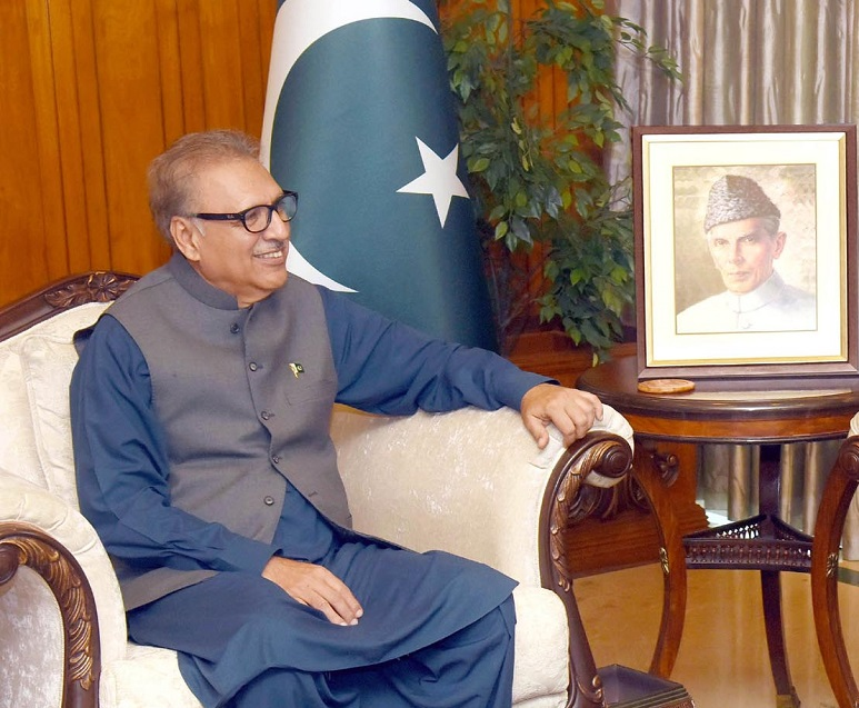 Pakistan-Nigeria cooperation - President Dr. Arif Alvi has emphasized the need for increased cooperation between Pakistan and Nigeria in the areas of trade, economy, and defense. In a meeting with the outgoing Nigerian High Commissioner Maj General (retd) Ashimiyu A. Olaniyi who made a farewell call on him at Aiwan-e-Sadr in Islamabad on Friday, the president said that Pakistan attaches utmost significance to its relation with Nigeria and wants to further strengthen and diversify the existing bilateral relations to the mutual benefit of the two countries. The president said that both Pakistan and Nigeria need to promote high-level contacts and visits which would further cement bilateral relations. Dr. Arif Alvi highlighted the atrocities being committed by India security forces against the Muslims of Indian Illegally Occupied Jammu and Kashmir (IIOJ&K). President Arif Alvi urged the International Community to play its role for the peaceful resolution of the Jammu and Kashmir dispute and protection of the Muslim minority in India. The meeting expressed satisfaction over the current level of cooperation and emphasized the need to further strengthen the defense, trade, and political relations. The president appreciated the efforts made by the outgoing High Commissioner for enhancing bilateral relations between Pakistan and Nigeria.