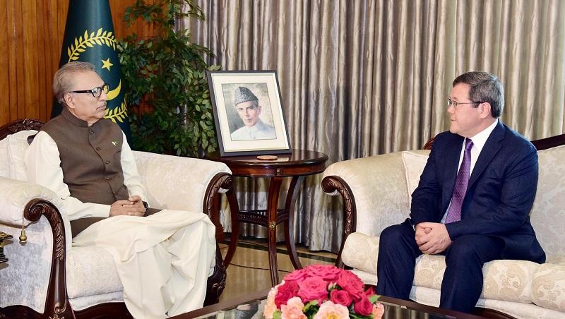President Arif Alvi seeks access of Pakistani Commodities to Kazakhstan's markets