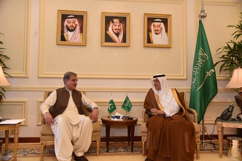 Shah Mahmood Qureshi meets his Saudi Counterpart in Jeddah