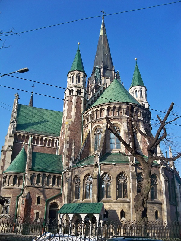 The Church of Saints Olha and Elizabeth is situated between the main Railway station and the Old Town of Lviv.