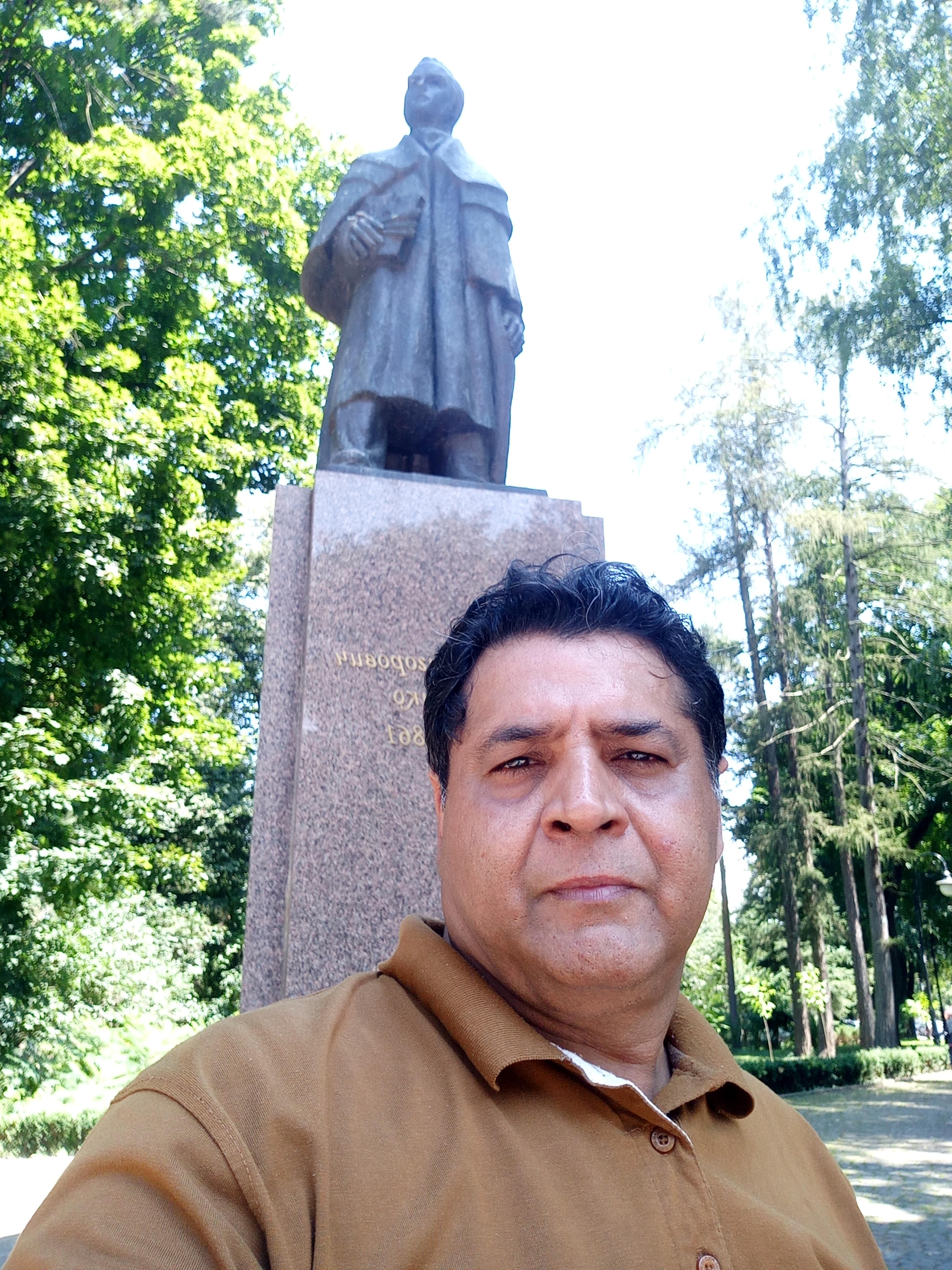 I wished to meet Taras Shevchenko in Park named after him. Taras Shevchenko Park