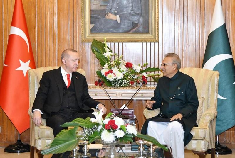 Image result for Turkish President Erdogan meets President Alvi after arriving in Pakistan on 2-day visit