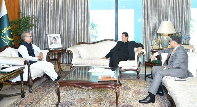 Imran Khan - President Dr. Arif Alvi, Prime Minister Imran Khan and the Director General Inter-Services Intelligence (ISI) Lt General Faiz Hameed held a meeting at the Aiwan-e-Sadr in Islamabad on Monday, and exchanged views on domestic and international matters.
