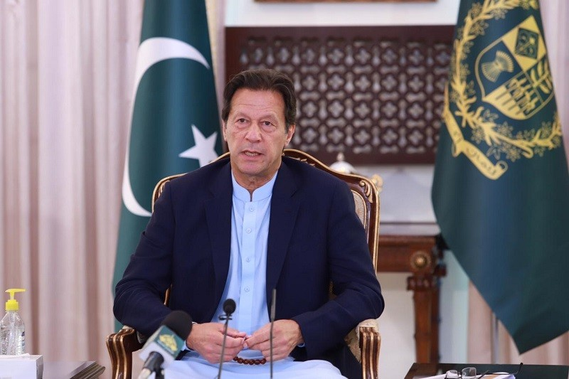 Coronavirus - Prime Minister Imran Khan has cautioned that the next one month is difficult for dealing with the Coronavirus (COVID-19) pandemic as the number of infected patients in the Country has already mounted to 181,088 while 3,590 have succumbed to it. In his remarks at the ceremony for commencement of three Ehsaas initiatives including Ehsaas Rashan Portal, Ehsaas Langar and Panagah App and PM's COVID Relief Fund website in Islamabad, the prime minister said that the government is implementing smart lockdown in Coronavirus Hotspots of the Country to protect mainly the most vulnerable people. The prime minister said that the elderly people and those already suffering from serious diseases are the most vulnerable people; and if they are protected against Coronavirus, the impact of the pandemic will get considerably reduced. In addition, he said that Ehsaas program and the government's policy of easing the lockdown have helped lessen the effect of the COVID-19. He said that in India, the complete lockdown has severely affected the poverty-stricken people and made about 34 percent people either hungry or prone to diseases. The prime minister said that PM's Corona Relief Fund has been established to financially help the people who lost their employments because of the lockdown. Imran Khan said that the government will add Rs 4 against each rupee donated in the fund. He said that the website of the Fund will help donors reach the deserving people. He said that the government will continue facilitating a connection between donors and the deserving people. Moreover, he said the government will incrementally increase the number of Panagahs and Langar Khanas to expand the network. He said that donors will be informed about their every penny donated for welfare of the people.