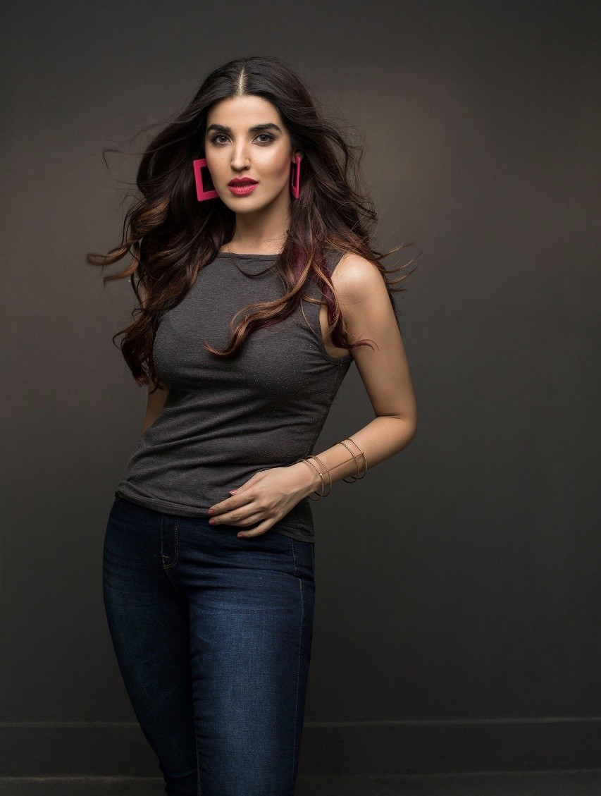 Pakistani celebrities are multi-faceted and multi-talented. Other than acing at acting and modeling, they have their successful side hustles and businesses too. They might have started with the TV screen, but now they are sailing through their businesses. Let's take a look at some Pakistani actors and actresses who have their businesses: Mahira Khan Mahira Khan alongside her brother Hassan Khan run an entertainment platform called Mashion. Mashion is the blend of entertainment, style, grapevine, and social issues. They not only have entertaining content, but they make sure to shed light on important issues as well. Mashion shot to fame within no time, because of obvious affiliation with Mahira Khan. It is one of the leading content production platforms with support and sponsorships from multiple known names. The Hocane Sisters The Hocane sisters are almost always in the spotlight, but their venture is positively one of them. Urwa and Mawra Hocane started their clothing brand called UXM last year, which focuses on basic yet trendy statement tees and clothes. Both of them feel that what they design is the reflection of who they are and what they like to wear. Without thousands of followers and orders flowing in, the brand is a huge success. Aiman & Minal Khan Following the footsteps of the Hocane sisters, Aiman and Minal Khan also decided to cash on their sibling status with AnM Closet. They became actors at a young age, and now they are business owners at such a young age as well. AnM Closet aims at high street fashion that combines style, elegance, and affordability. Humayun Saeed Otherwise known as the Shahrukh Khan of Pakistan, Humayun Saeed is a name unknown to no one. More than an actor, he has also produced his worth as a producer. He established the Six Sigma production house in 2010. Among his famous shows include Aitraz, Pyaary Afzal, and Jackson Heights. He has also established another production house recently called Epic Entertainment. Under its banner, h