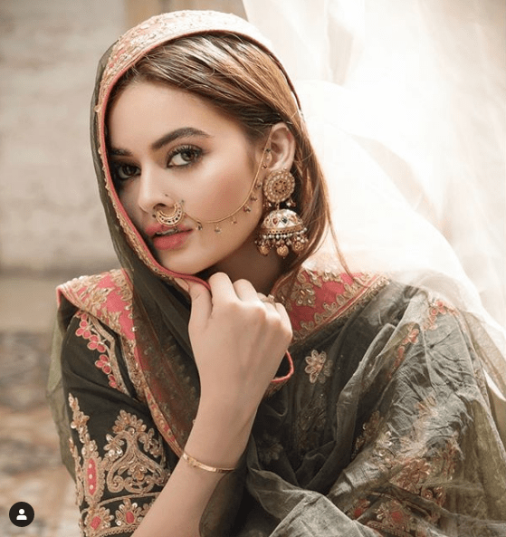 The gorgeous twins of Pakistan Showbiz Industry have always remained the center of attention for being so beautiful as well as super talented in acting. The brilliance of their work make their huge fan following evident. Both of these sisters stay all the time active on social media and it is something so appreciated by fans. Aiman & Minal's Stunning Instagram Photos We know that the twin talented sisters Aiman and Minal Khan know well how to carry themselves in different attires, whether it is Western or Eastern, they love to dress up elegantly. That's the reason they gain much more attention than any of the young celebrities from industry. Moreover, a very few people know that Aiman and Minal don't like to go with bold shoots and dress ups which has made them earn even greater respect from their fans. Here we have compiled a collection of some awe-inspiring photos from Aiman and Minal Khan's Instagram account for the fans. Have a look! Aiman's Instagram Photos Check out these amazing clicks from Aiman Khan's recent shoots posted on her Instagram page. Minal's Instagram Photos Check out these gorgeous clicks from Minal Khan's recent shoots posted on her Instagram page. About Aiman Aiman Khan is a Pakistani model and actress. She started her career by chance at very young age. She was literally so young that she was working in commercials at that time and taken it all as nothing more than fun activity. After being part of many projects for several years, Aiman Khan's career took off when she was old enough to play leading roles in dramas. A very few people are aware of the fact that Aiman was actually a chubby kid who grew up as a stunning lady. She received extraordinary love from people that her name attached to any project was enough for selling the drama. Aiman Khan's Dramas Here is the list of some of dramas in which Aiman has showed her acting skills to an exceptional level: Mohabbat Bhaar Mein Jaye – 2012 Meri Beti – 2013 Digest Writer – 2014 Beqasoor – 2015 