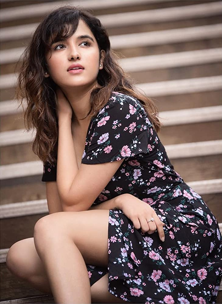 """Shirley Setia is a popular singer and performer from Auckland, New Zealand. She also got fame from the contest conducted by T-Series in which she participated actively. Her melodious voice takes listeners out of this world and she has been proving herself the best all the way in her talent via her amazing YouTube videos. Shirley took part in this contest by sending her video which was made in her bedroom and so she was nicknamed as """"Pyjama Popstar"""" by the New Zealand Herald. It made her get famous and then she was also declared one of the winners from hundreds and thousands of entries. Shirley Setia as YouTube sensation Indo-Kiwi singer Shirley Setia is specifically known for her YouTube videos and that has made her YouTube sensation as declared by Hindustan Times. She performs on different Hindi songs and it made her touch the peaks of popularity and success. Shirley Setia's achievements Fewer of the Shirley Setia's fans know that she has also collaborated with different online stars not merely from India but also from Canada and USA which has made her keep polishing her singing talent. Apart from that, she has also been awarded two times in the year 2016. Moreover, Shirley Setia is considered as New Zealand's one of the biggest International artists by TVNZ. She has a huge fan following on different social media platforms and its growth is unstoppable. Within four years time only, she earned 1.8 million subscribers and 114 M views on YouTube Channel. A feature in Forbes Magazine by Rob Cain talked about her future goals and considered her as """"Bollywood's Next Big Singing Sensation Just Might be This Tiny Kiwi"""". According to the statistics from July 2020, she has 3.45 million subscribers on YouTube with 271.17 million views. Not only that but also she has 6.4 million followers on Instagram and that's significantly huge! Shirley Setia's Films Shirley Setia has made her debut with the film named Maska which was released on Netflix on 27th March, 2020. She will be mak"""