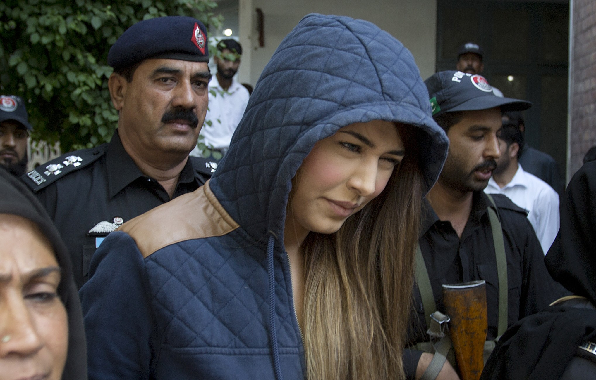 """Do you remember Ayyan Ali and her charades with the law of Pakistan? I am sure, you do. After years of laying low and fleeing Pakistan, she has teased everyone with the comeback. The convicted criminal of smuggling is ready to make a scandalous comeback. Ayyan's Comeback To Entertainment On her official page on Facebook, the supermodel revealed that she has now decided to turn into a singer. She announced that her music album is complete, and the fans can expect to hear the official launch within the coming weeks. She wrote on her Facebook post: """"Time to ride & double check my upcoming 7 tracks in one of my favourite oldest lambo. """"I just wanna make sure they sound awesome,so u all can enjoy my hard work that I m putting out after 5 years. """"Guys all 7 songs will be released in about one week or max two weeks time span"""" Here is her official Facebook post featuring the news and the gorgeous pair of cars: Her Upcoming Album Though we do not know a lot about what's the album is going to be, we do know that it will feature seven songs. The rumors still contest if the songs will be in English and Urdu. Though the album is aimed at Pakistani audience but will be released from Ali's haven in Dubai. Her Lavish Lifestyle She might be a convicted felon but does not mean she doesn't live with style. Ayyan not only announced her upcoming album but when on to show off her Lamborghini and Range Rover as well. She not only owns these cars, but is living a lavish and exquisite life in Dubai following her release from prison in 2015, and she deciding to flee Pakistan in return. Why Was She Arrested? Ayyan Ali's arrest was the most scandalous arrest of the Pakistani entertainment industry. She was arrested for smuggling $506,800 out of Pakistan without informing the State Bank in 2015. After she was arrested, various claims of her being the official money laundered of PPP's Asif Zardari and various other politicians shook the industry. Not just money laundering for high-profile politi"""