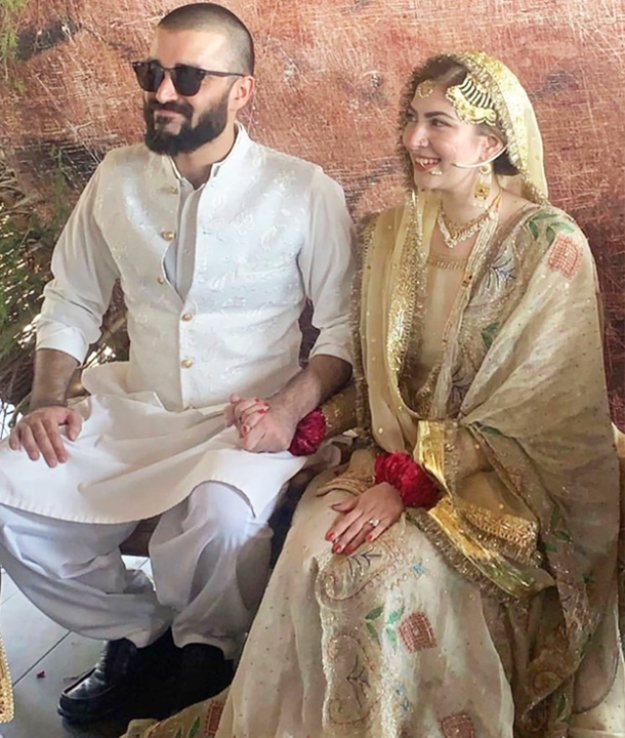 Hamza Ali Abbasi and Naimal Khawar got married last year on 25th of August. The couple announced the news without any sensational element and surprised fans.