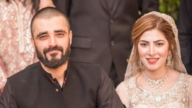 For the very first time, Hamza Ali Abbasi and Naimal Khawar shared family picture with Mustafa on social media.