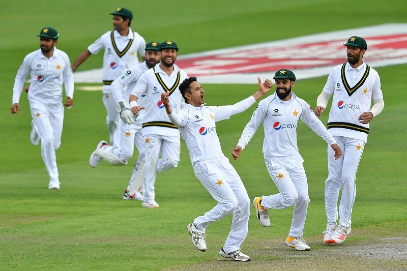 PTV Sports Live - An excellent bowling performance by England in Pakistan's second innings brought them back in the first Test match at Emirates Old Trafford in Manchester. The visitors had acquired a 107-run lead after England in their first innings was bowled out for 219 runs in response to Pakistan's first innings score of 326. However, the winning scenario for Pakistan which had begun looking imminent turned doomed after they failed to capitalize in their second innings. Till the end of third day's play, Pakistan managed to put just 137 runs on the board for the loss of 8 wickets. In their second innings, Pakistan suffered a blow when the first innings centurion Shan Masood was caught behind on 0 off Stuart Broad. Babar Azam also went early just for 5 runs, The Captain Azhar Ali, Abid Ali, Asad Shafiq, Mohammad Rizwan and Shadab Khan entered into double figures but couldn't prolong their innings. The middle-order batsman Asad Shafiq got himself run out on 29 in the pursuit of taking a quick run, which occurred to him in Test Cricket after eight years. Yasir Shah along with Mohammad Abbas will resume Pakistan's second innings on Saturday, and seek to extend the current 244-run lead to over 250 or 260. For England, Stuart Broad, Chris Woakes, and Ben Stokes picked up 2 wickets each in Pakistan's second innings while Dom Bess took one wicket.
