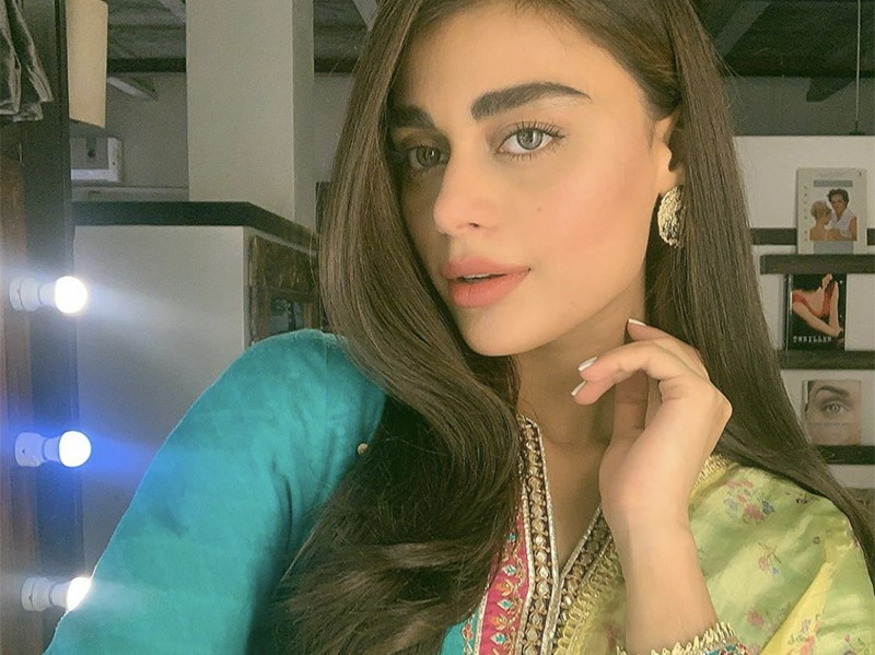Sadaf Kanwal is one of the most controversial actresses as well as model who keeps on facing criticism in different aspects. The actress recently got married to Shehroz Sabzwari as his second wife and turned on fire for Syra's fans. Well... she is still the news sensation on social media these days. A girl has excellently mimicked Sadaf Kanwal and fans are all amused. Who is this talented mimic girl? A talented girl named Warisha looks quite similar to that of Sadaf Kanwal and she is creatively taking advantage of that. Warisha's mimic video recently gone viral on social media in which she is excellently mimicking Sadaf Kanwal. Who is the better Sadaf Kanwal? The original clip was from an interview after her marriage with Shehroz and Warisha has proved herself the better Sadaf Kanwal. Check out this video! About Warisha Warisha, the one who mimicked Sadaf Kanwal, is a dentist by profession who runs a blog with her friends. Her previous video also went viral in which she proved herself best at mimicry of Sadaf Kanwal. Fans started following her since then and they are simply impressed with her work. After great demand from her fans, she released another mimicry video which made her the center of attention as it went viral. Check out this video in which she has once again proved that she superbly talented to mimic Sadaf Kanwal exactly. About Sadaf Kanwal Sadaf Sabzwari, previously known as Sadaf Kanwal, is a Pakistani actress and model. She has played the role of Sharmeen Mukhtiyar in 2017 movie Balu Mahi. As a model, Sadaf has established a career and has been nominated for several awards including Lux Style Awards and Hum Awards. Sadaf has been known for her bold roles in movies as well as for her shoots and item songs. She became the news sensation after getting married to Shehroz Sabzwari following huge criticism. According to the details, Shehroz Sabzwari's first wife Syra Yousaf had doubts regarding his extramarital affair with Sadaf. These rumors spread like a 