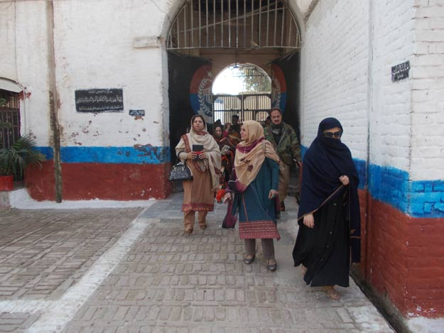 """women prisoners - In a landmark decision regarding women prisoners, Prime Minister Imran Khan on Wednesday directed the immediate implementation of the Supreme Court's Order 299/2020 for the release of Under Trial Women Prisoners and Convicted Women Prisoners who fulfill the criteria of the Order. In a Twitter statement, the prime minister said that after a meeting with the Federal Minister for Human Rights Dr. Shireen Mazari, the Attorney General of Pakistan Khalid Jawed Khan, and eminent lawyer Barrister Ali Zafar, he has asked for immediate implementation of the Supreme Court's Order 299/2020 for release of Under Trial Women Prisoners & Convicted Women Prisoners who fulfill criteria of SC's Order. The prime minister said that he has also asked for immediate reports on foreign women prisoners & women on death row for humanitarian consideration. Out of a total of 73,242 prisoners incarcerated in various jails across Pakistan, 1,121 are female which makes 1.5 percent of the prison population, according to the Official data received by the Committee formed by Prime Minister Imran Khan to study and investigate the plight of women in Pakistan's prisons. The Head of the Committee and the Federal Minister for Human Rights Shireen Mazari submitted the Report on """"Plight of Women in Pakistan's Prisons"""" to the prime minister on May 29."""