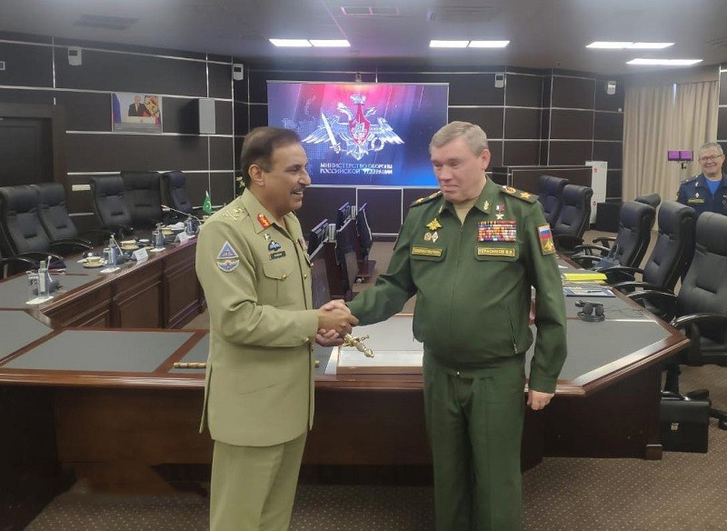 General Nadeem Raza - The Chairman Joint Chiefs of Staff Committee (CJCSC) General Nadeem Raza met the Chief of General Staff of the Russian Federation General Valery V. Gerasimov during his visit to Moscow. The CJCSC is on two days official visit to Russia to attend the Defence and Security Cooperation conference at the SCO forum. During the meeting, matters of bilateral military cooperation and regional security dynamics between Pakistan and Russia were discussed. General Valery Gerasimov lauded the professionalism of Pakistan armed forces and acknowledged Pakistan's sacrifices in the fight against terrorism. The CJCSC will also attend the closing ceremony of 'International Military Games – 2020' at Moscow. Pakistan armed forces have been regular participants of the said games for the past three years.