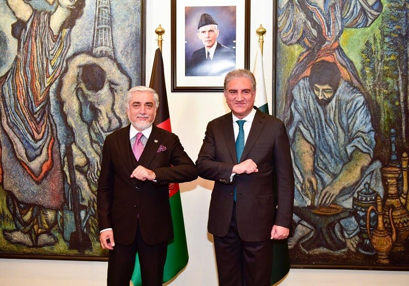 Afghan peace process - The Foreign Minister Shah Mahmood Qureshi has expressed the hope that the visit by the Chairman of High Council for National Reconciliation of Afghanistan Dr. Abdullah Abdullah to Pakistan will open a new chapter in bilateral relations, Dispatch News Desk (DND) news agency reported. Welcoming Dr. Abdullah Abdullah and his delegation to Pakistan when the visiting dignitaries met him at the Ministry of Foreign Affairs in Islamabad on Monday, the foreign minister said that Dr. Abdullah Abdullah's visit will greatly help to strengthen relations with Afghanistan and forge a common understanding on the Afghan peace process.  The foreign minister also extended best wishes to Dr. Abdullah Abdullah in steering the peace negotiations to a successful outcome. Reaffirming Pakistan's steadfast support to the peace process, the foreign minister emphasized that Pakistan has always maintained there is no military solution to the Afghan conflict and encouraged all parties to reach a political solution through an Afghan-led and Afghan-owned process.  Welcoming the inaugural ceremony of Intra-Afghan Negotiations held in Doha on September 12, the foreign minister noted that it was now up to the Afghan leadership to seize this historic opportunity to bring an end to the decades long conflict and secure an inclusive, broad-based and comprehensive political settlement. The foreign minister underscored Pakistan's support for a peaceful, stable, united, sovereign and prosperous Afghanistan.  Shah Mahmood Qureshi stressed that mistakes of the past should not be repeated; nor past history should dictate the future course of action. The minister further underlined that there was a need to guard against the detrimental role of 'spoilers', both within and outside Afghanistan, who do not wish to see return of peace in the region. The foreign minister underlined the high importance Pakistan attaches to its brotherly relations with Afghanistan.  Qureshi said that recently, at