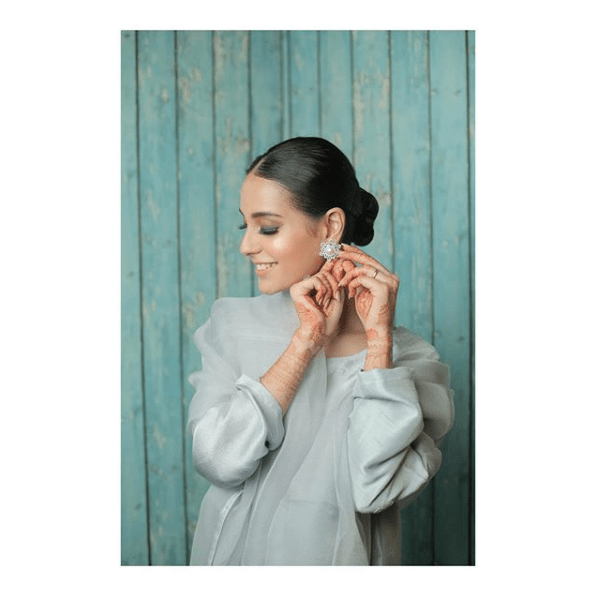 Check out these stunning clicks collected from different photoshoots of Iqra Aziz. She is definitely setting new trends to style up the elegance!