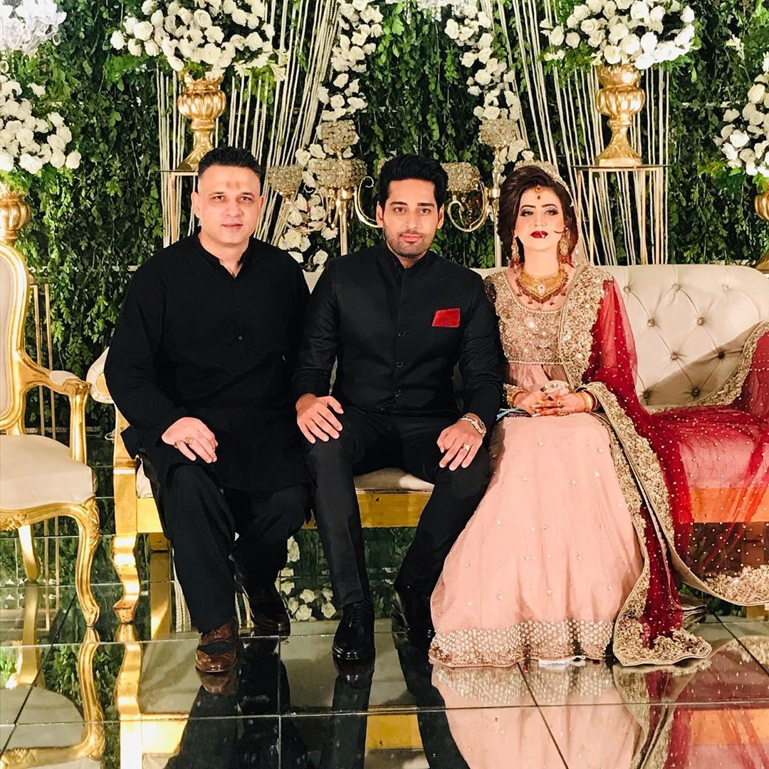 Humayun Saeed's younger brother, Salman Saeed has got married. The pictures of the star-studded event have been making rounds over the internet. The couple tied the knot in a private ceremony in Lahore. Here we have got the details as well as pictures from the wedding eve. Take a look! Salman Saeed - Wedding Details & Pictures! Salman Saeed is the younger brother of the most famed actor, Humayun Saeed. He is the same way brilliant actor as that of his brother Humayun. Salman has got married on Friday night in a private ceremony held in Lahore. The topnotch celebrities like Adnan Siddiqui, Wasay Chaudhry, Imran Ashraf, Ahmad Ali Butt, and others attended the wedding reception. Cricketer Azhar Ali also showed up on this occasion. Here we have got some of the clicks from Salman's wedding. Salman's wedding ceremony took place at a local hotel in Lahore. Actor Shan Shahid, Khalil-ur-Rehman Qamar, Nadeem Baig, and others also graced the wedding evening. Salman dressed in all-black and looked elegant as a groom while his bride donned a traditional fancy red dress. Humayun Saeed's family including his wife Samina Humayun Saeed and daughter Sana Shahnawaz hosted the event. About Salman Saeed Salman Saeed is the youngest brother of actor and director, Humayun Saeed. Salman is a talented actor and has recently got an appreciation for his role in Mera Dil Mera Dushman. He is known for his strong negative roles in dramas. His other projects include Tum Miley, Yeh Shadi Nahi Hosakti, and Khudgharz. Salman Saeed is one of the five brothers. Humayun Saeed's other brothers are named as Amir Saeed, Adnan Saeed, and Babar Saeed. They belong to a liberal and talented Punjabi family. Humayun touched the peak of fame with his recent blockbuster drama serial Mere Paas Tum Ho. Salman is also following his brother's path in terms of acting and is expected to reach the same level of brilliance.