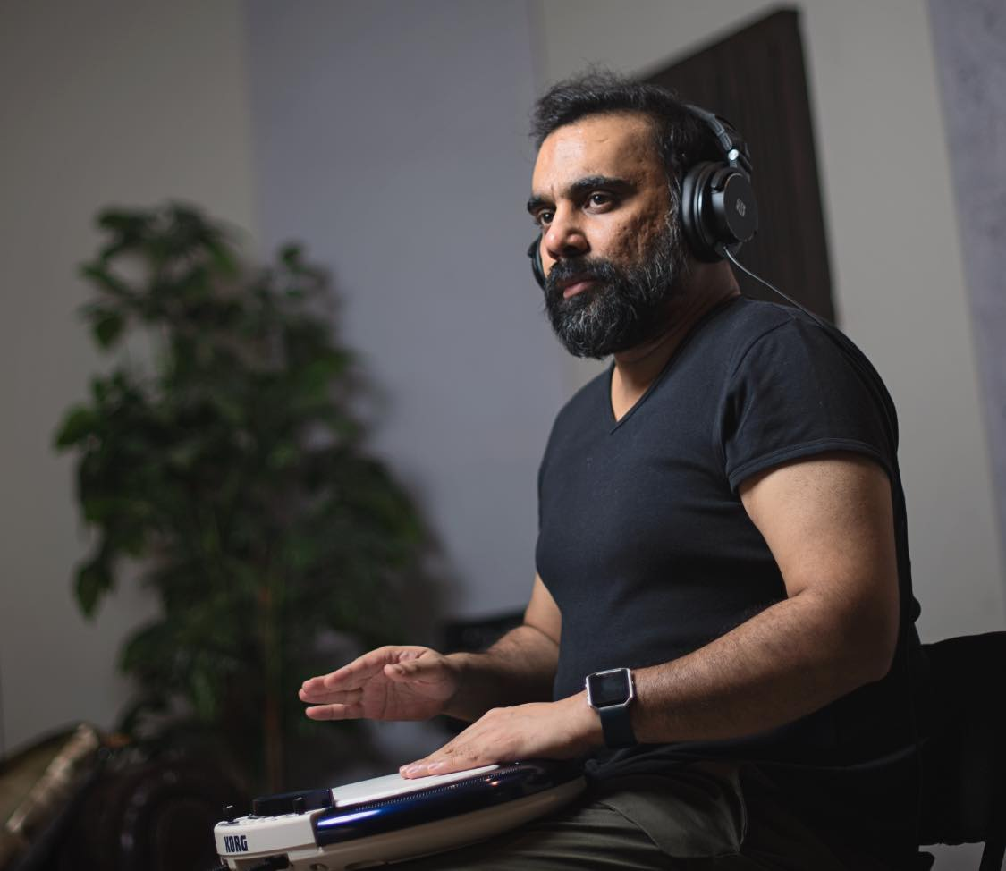 Zulfiqar Jabbar Khan is one of those musicians of Pakistan who has always encouraged and introduced new talent on the front from his platform. Whether it is about Nescafe Basement or production at his studio, Xulfi always brings out the best from the new generation of artists.