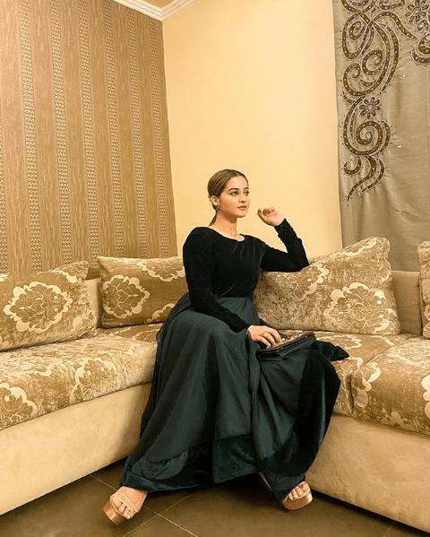 Aiman Khan Dolls Up as Princess in Her Latest Dashing Photoshoot!