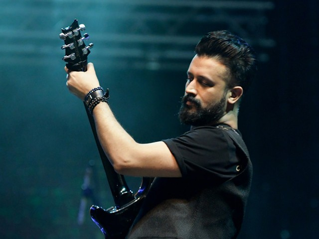 """Atif Aslam is that soulful legendary singer of the industry whose voice can keep you in enchantment everyday. All of his songs have a special charm that makes one go out of the world. Atif has sung numerous songs including solos and that of exclusively for the films. There is a long list that makes Atif Aslam one of our favorite singers and that's the reason he has got a huge fan following. Now think, what if someone's voice impresses the legend Atif Aslam? It's really something big! Here we have got the details and video to make it evident. Who Impressed Atif Aslam with His Soul-Stirring Voice? Well... you must be excited to know about the one who has even impressed Atif Aslam. The young guy is definitely blessed with a soul-stirring voice and here we have got the video! This is Huzaifa Khan who has got a melodious voice that is just like Atif Aslam. After listening to Huzaifa's version, the Atif invited this super talented guy to a jamming session. He said: """"LET'S JAM SOMEDAY,"""" ASLAM WROTE. """"ABSOLUTELY LOVED HEARING THIS TALENTED YOUNG BOY! HOW ABOUT PLAYING SOME MUSIC TOGETHER?"""" Huzaifa's Reaction to Atif Aslam's Invitation What could have been better than an invitation from the legend himself! Huzaifa was definitely short at words to express his gratitude and excitement on this precious invitation by the legend. Huzaifa Khan has been grabbing attention with his amazing voice and that's the reason he has got almost 13,000 followers. The interesting thing is that he is also noticed by the musicians across the border. Singer Vishal Mishra has came across Huzaifa's covers of Tum Mile and Jo Tu Na Mila and appreciated him. Not only that but the well-known composer Vishal Dadlani has also lauded Huzaifa Khan's talent. Here we have got an interview video of the young talent with News channel! So, what do you think about the super talented Huzaifa Khan? Share your valuable feedback with us!"""