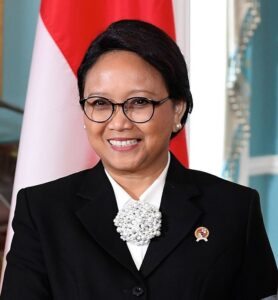 Retno Marsudi - The Indonesian Foreign Minister Ms Retno Marsudi has expressed appreciation for Pakistan's positive contribution in facilitation of the Afghan peace process. The appreciation came when the Foreign Minister Shah Mahmood Qureshi held a telephone conversation with her on Thursday. During the conversation, the two foreign ministers exchanged views on wide ranging topics of mutual interest including bilateral ties covering political, trade and economic matters as well as cooperation at the United Nations, ASEAN and other multilateral fora. Congratulating Ms Retno Marsudi on Indonesia's successful leadership at the UN Security Council during its term of presidency in August 2020, Qureshi highlighted the importance of continued efforts by all to preserve peace and stability in different parts of the world. Expressing satisfaction over the existing political, economic and defence ties, the foreign minister appreciated the growing security cooperation between the two brotherly countries. Shah Mahmood Qureshi shared Pakistan's readiness to hold the Inaugural meeting of the Security Dialogue to be held between Indonesia's Coordinating Minister for Political, Security and Law and Defence Minister of Pakistan as soon as the COVID situation allows. The two ministers agreed on further strengthening political relations, deepening mutually beneficial trade and economic ties, and expanding cultural and people-to-people exchanges. They also agreed to remain engaged on issues of common interest, both bilateral and multilateral. The Foreign Minister Shah Mahmood Qureshi extended a cordial invitation to Ms Retno Marsudi to visit Pakistan. The Indonesian foreign minister accepted the invitation with thanks and agreed to visit Pakistan as soon as the COVID-19 situation stabilizes.