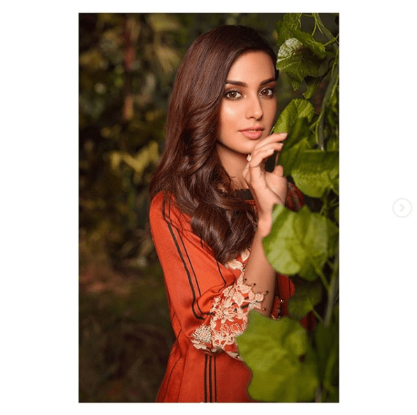 Iqra Aziz, the talent queen of the drama industry, is grabbing everyone's attention with her latest photoshoot. She looks simple yet elegant in these clicks and makes sure to impress with gorgeous looks. Although Iqra has been endorsing different brands and presenting us with the most exciting photoshoots, however, there is something special about this shoot. Check out these stunning clicks! Iqra Aziz Dresses Up in Warm Hues in Latest Clicks! Here we have got the latest clicks of Iqra Aziz dressed up in with elegance in warm hues to grab attention at first glance. Take a look! Iqra Aziz has dressed up for Al Karam Winter Collection, 2020 and these hues welcome the season with a warmth that can be felt in these clicks. Here we have got a video as well! Al Karam is one of the most noteworthy clothing brands that has been presenting the finest collection every year for all seasons. Iqra Aziz has this time become the face of Al Karam's Winter Collection 2020 and it is so fascinating! About Iqra Iqra Aziz Hussain is a Pakistani television actress who is best known for her role as Jiya in Suno Chanda. She also received Lux Style Award as Best Actress for the same play.Iqraappeared in her first audition as a television commercial model and was picked by Citrus Talent Agency. Her different projects include Jhooti, Ranjha Ranjha Kardi, Tabeer, Khamoshi, and many more! List of Iqra's Most Popular Dramas Iqra has always been wonderful at acting and she has worked in many drama serials making them have remarkable success. Here we have got the list of some of her most popular dramas. Jhooti Suno Chanda 1 & 2 Ranjha Ranjha Kardi Tabeer Qurban Khamoshi Laaj Choti Si Zindagi Deewana Gustakh Ishq Socha Na Tha Ghairat Kissay Apna Kahein Muqaddas Mol Natak Kissay Chahoon Dil-e-Jaanam