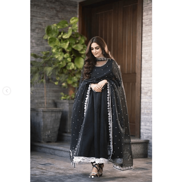 Maya Ali Looks Charming in Exquisite Combination of Black & White!