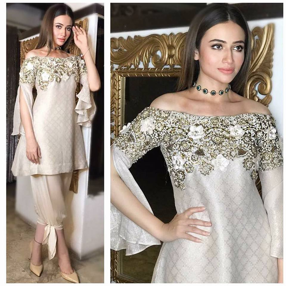 Sana Javed to Leave You Flabbergasted With Her Hot & Bold Clicks!
