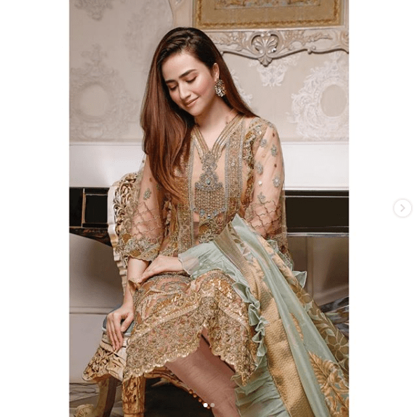 Check out these top ten clicks of Sana Javed in which she is setting fashion goals for everyone. Hold your heart as these pictures will simply blow you away. Take a look!