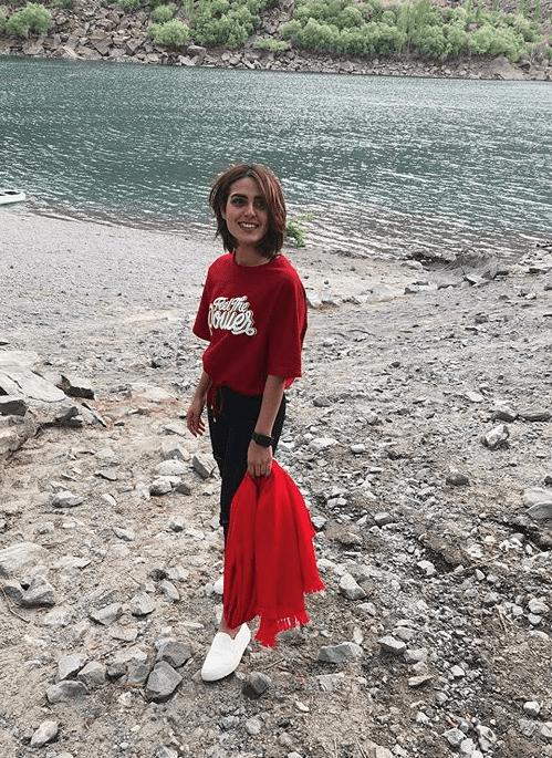 Iqra Aziz fashion pictures