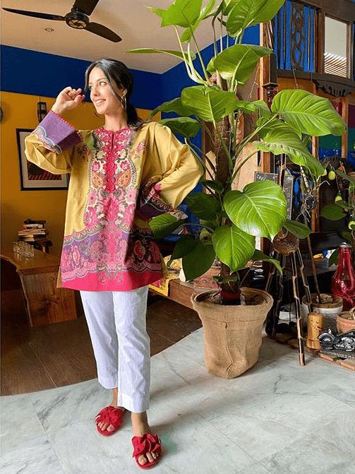 Iqra Aziz fashion looks
