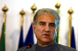 Shah Mahmood Qureshi - The Foreign Minister Shah Mahmood Qureshi has reaffirmed Pakistan's determination to continue to play a positive role for regional peace and security including the Afghan peace process. Talking to his Turkish Counterpart Mevlüt Çavusoglu on phone, Shah Mahmood Qureshi thanked him for Turkey's consistent and categorical stance on the Kashmir dispute.  The foreign minister said that the Turkish President Recep Tayyip Erdogan raised the voice of oppressed Kashmiri people at the 75th Session of the UN General Assembly and this has given courage and confidence to the Kashmiri people. Qureshi said that it is a matter of satisfaction that both Pakistan and Turkey share identical views on important regional and international matters. The Turkish foreign minister was appreciative of the steps taken by Pakistan for regional peace including its efforts for peace in Afghanistan.