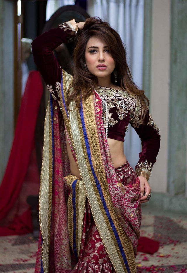 Ushna Shah is one of the most talented actresses in the Pakistan Drama Industry. She has worked in numerous dramas while marking success in each of them with her exceptional talent. Her famous dramas include Balaa, Alif, Allah Aur Insan, Bashar Momin, many more. Ushna has a passion for theatre, acting, and writing as well. She is an animal lover and a strong advocate for better treatment of animals in Pakistan. Here we have got all the details about super talented Ushna Shah!